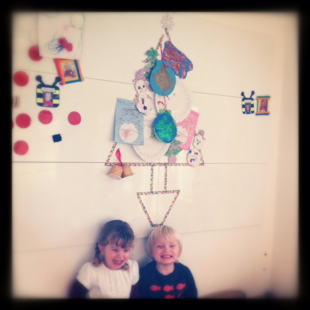 {How To} Display kids' Christmas artwork