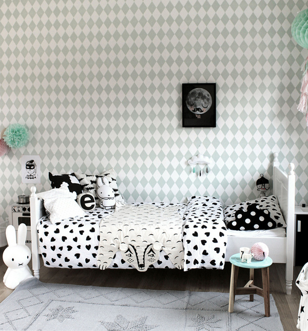 Gender neutral kids rooms on Growing Spaces | image via DecoPeques