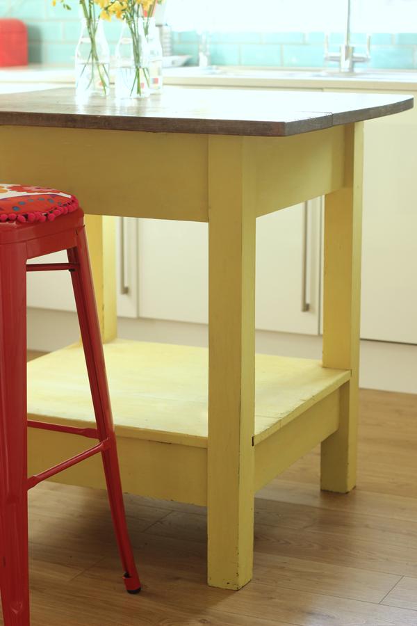 Annie Sloan kitchen island | Growing Spaces
