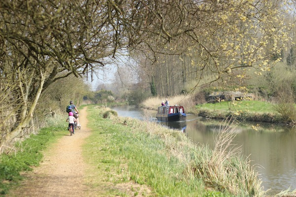 Cycling the Kennet Avon canal | Growing Spaces