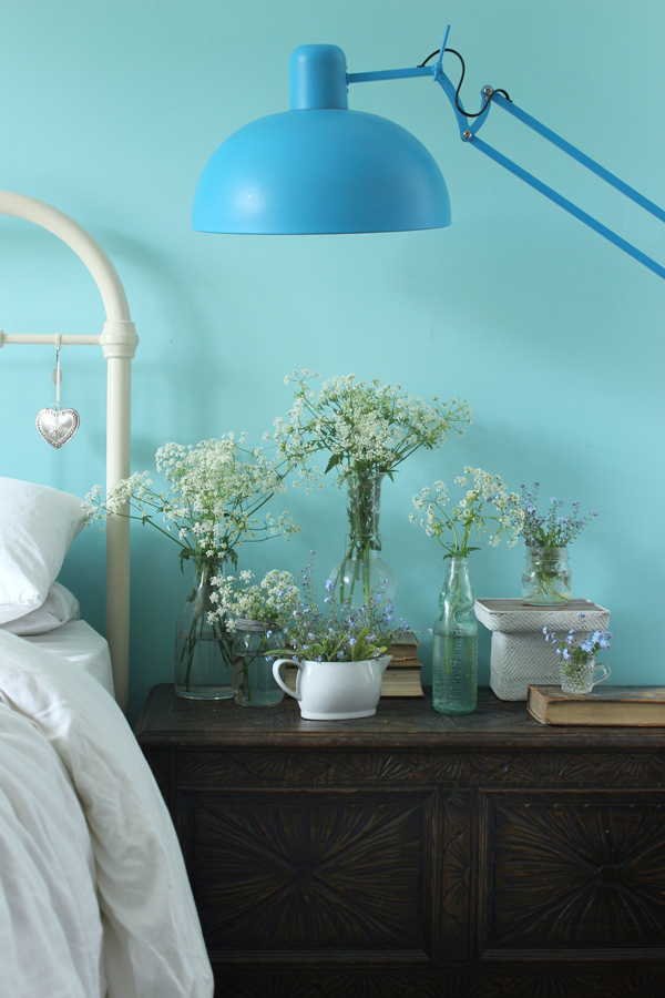 Spring flowers by the bedside | Growing Spaces