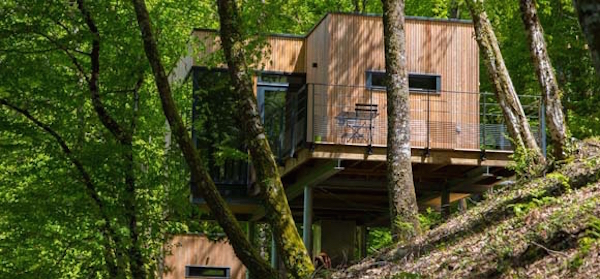 cabanes-de-salagnac_treehouse-from-below_cs_gallery_preview