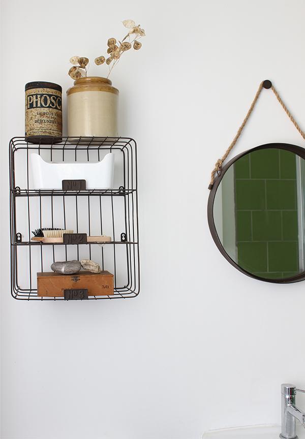 bathroom shelves | Growing Spaces