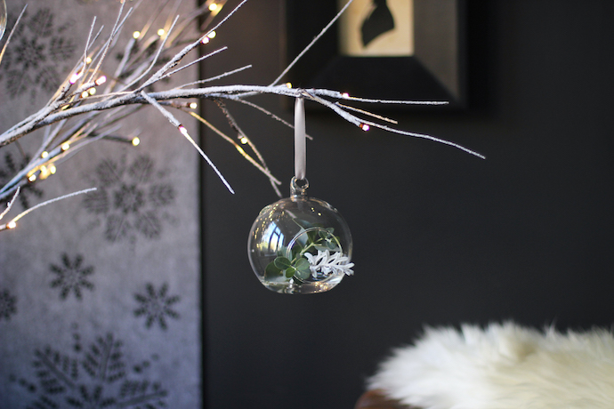 Simple Christmas decorating | Growing Spaces