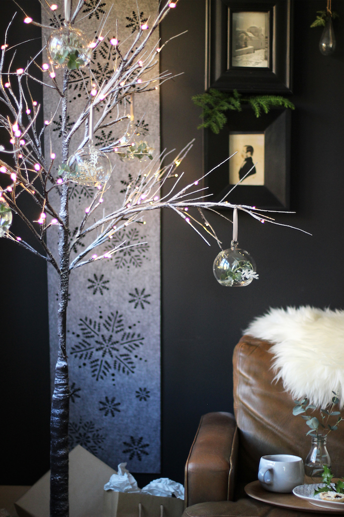 Simple Christmas decorating   Growing Spaces